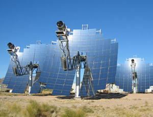 stirling energy systems solar thermal arrays, with mirrors and Stirling engines, in the desert