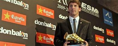 Lionel Messi con el Botín de Oro / AP