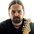Andreas Kisser, casado, três filhos, músico, guitarrista do grupo Sepultura. Espera debater e, principalmente instigar novas idéias e caminhos usando a música como inspiração para a busca de entendimento e tolerância.