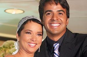 Luis Fonsi y Adamari López en su boda/WireImage