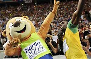 Bolt y su sonrisa / AFP/GETTY IMAGES