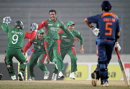 ap100107110312 Watch Bangladesh Vs India 3rd ODI Result,Photo & Video Highlights