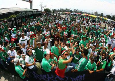 http://l.yimg.com/a/i/mx/sport/kf/414/1010_mexico_asenna.jpg