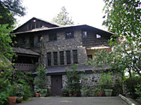Amadeus Manor, Milwaukie
