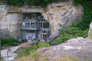 Cave house - 1101 N 11th St, Festus, MO