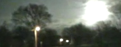 Meteor streaks through sky (via ABC News)