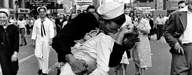 Happy sailor kissing nurse in Times Square during impromptu VJ Day celebration.  (Photo by Alfred Eisenstaedt/Time & Life Pictures/Getty Images)