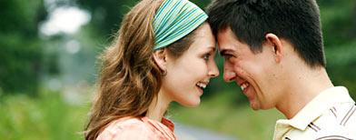 Smiling couple (Thinkstock)