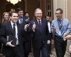 Дефолта в США пока не будет. Лидеры демократической и республиканской партий согласовали план по повышению предельного уровня государственного долга США
