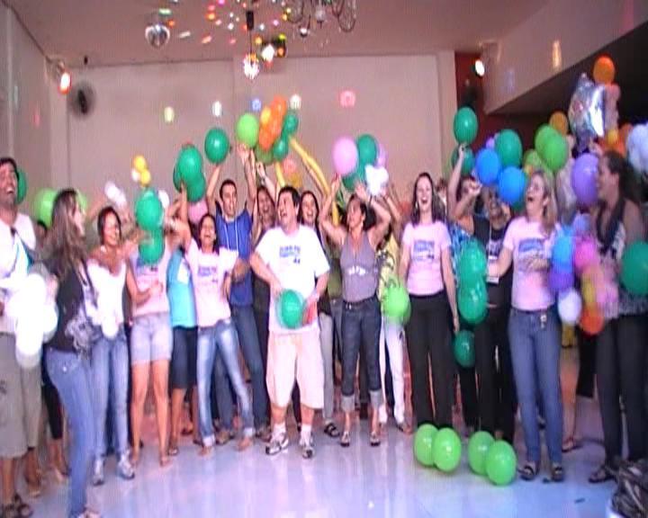 DANÇA DOS BALÕES 2 @ Yahoo! Video
