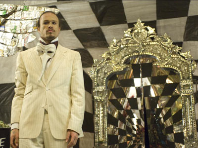 The Imaginarium of Doctor Parnassus - exclusive trailer @ Yahoo! Video