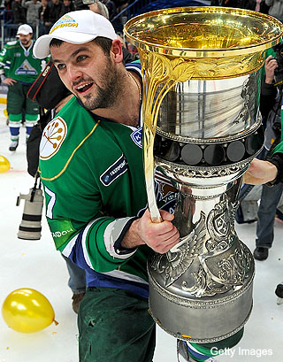 Alex Radulov's Twitter trade request adds to KHL coach drama