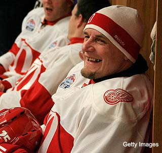 Ex-Red Wing Darren McCarty now working in 'Hardcore Pawn'