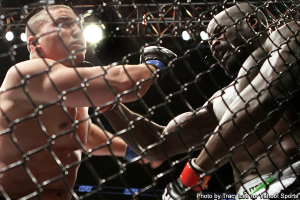 Kongo scores eye-popping comeback knockout over Barry
