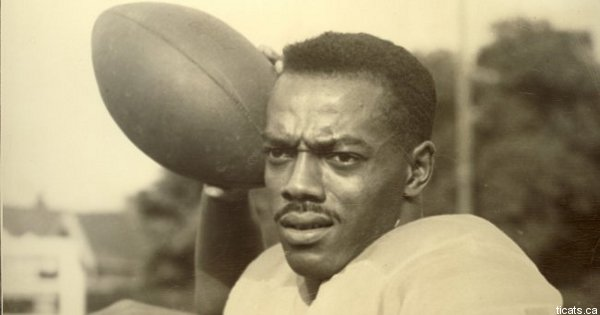 Trailblazing quarterback Bernie Custis deserves more recognition