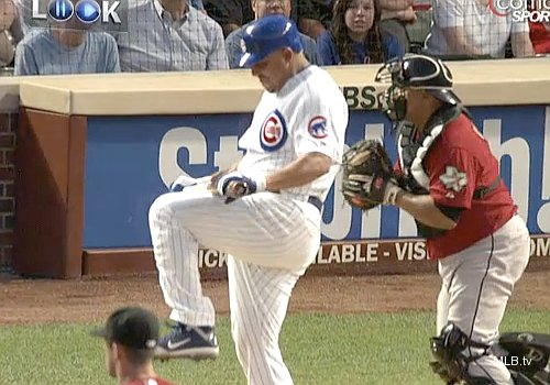 Zambrano smash! Cubs 'Big Z' breaks bat over knee