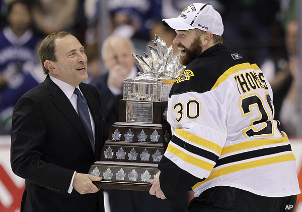 No doubting it: Tim Thomas wins Conn Smythe Trophy