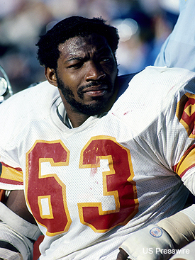 Tampa Bay Buccaneers Hall of Famer Lee Roy Selmon dies at 56