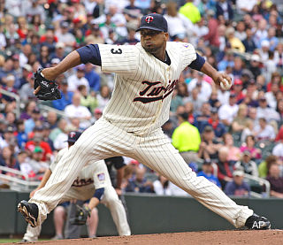 Pause for effect: Twins' Liriano loses no-hitter after long wait