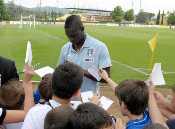 Random acts of kindness with: Mario Balotelli