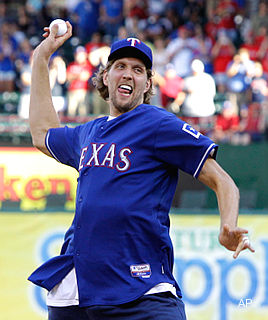 Update: Selig says OK to Nowitzki throwing out pitch at Series