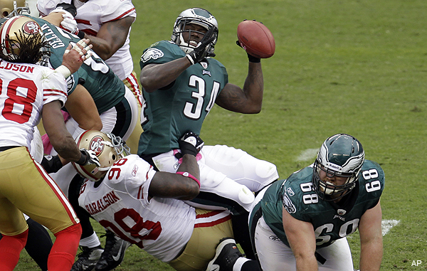 Ronnie Brown's epic fail fumble personifies Eagles' lost season