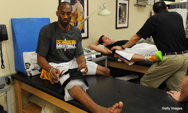 Kobe Bryant heads to Germany for knee relief