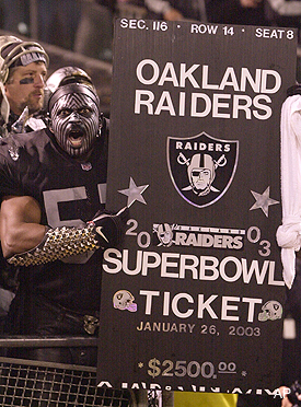 Raiders staffers must sell tickets to avoid pay cuts, layoffs
