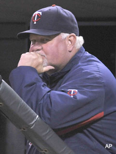 Brickman lives! Gardenhire's chin scratch leads to Twins win