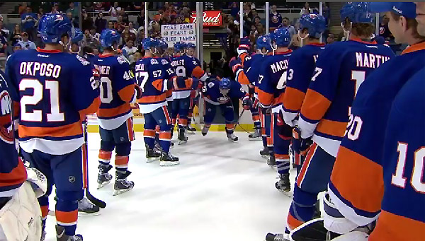 The Islanders' new Three Stars celebration is adorable