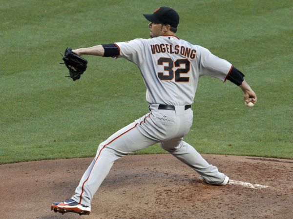 Pitching Wiggys: Singing a Vogelsong, friends with Salas