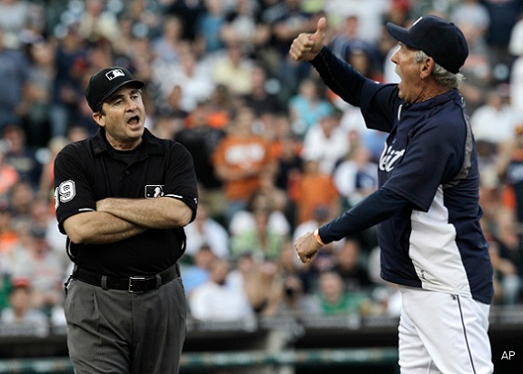 Video: Jim Leyland provides umpire replay before ejection