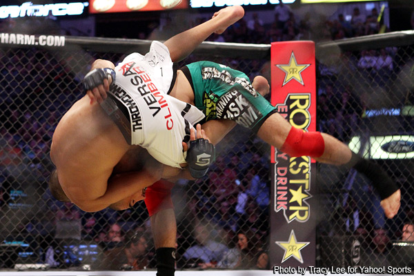 Strikeforce undercard: Cavalcante-Wilcox ends on eye poke