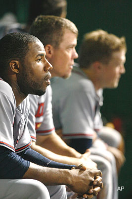 Peer pressure: Chipper Jones advises Jason Heyward on injury