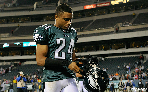 Asomugha&#8217;s shifting positions personify Eagles&#8217; confusing season