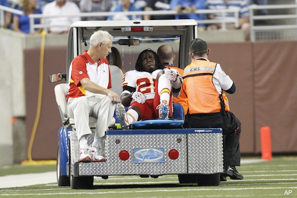 Chiefs lose All-Pro running back Charles to serious knee injury