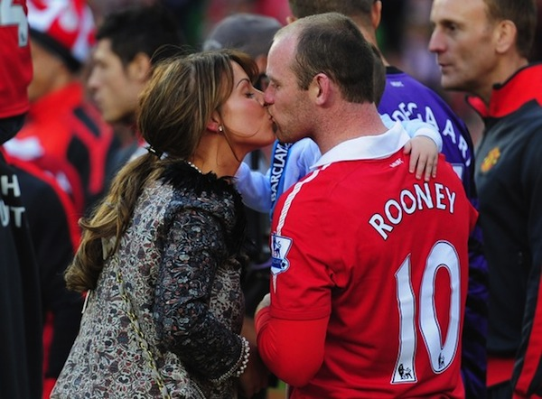 Wayne Rooney&#8217;s wife asked to not tweet team news anymore