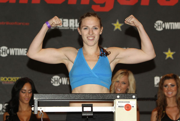 Kaufman tears apart Carmouche?s face &#97;&#116; Strikeforce Challengers 17