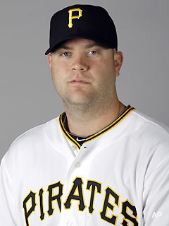 Good Samaritans come to aid of Pirates catcher during road rage incident