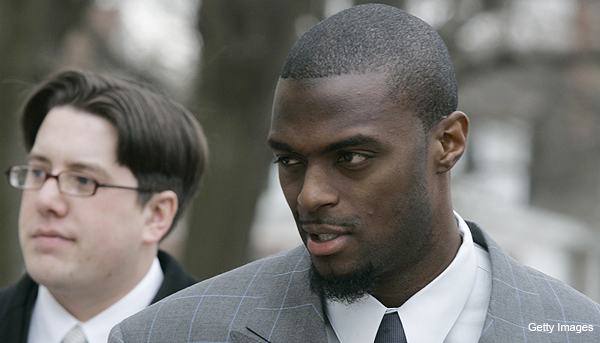 Plaxico Burress agrees to one-year deal with New York Jets
