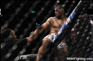 The always bizarre Palhares brutalizes Miller at UFC 134