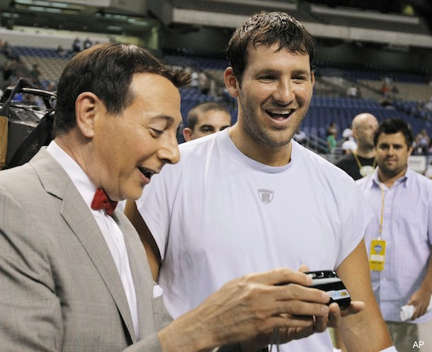 Photos: Pee-wee Herman stops by Cowboys training camp