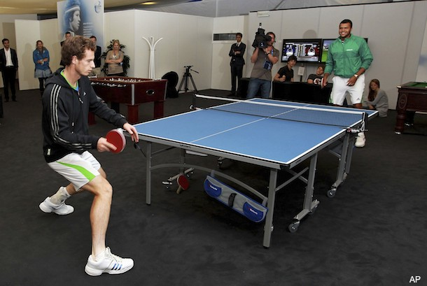 During rain delay, Murray and Tsonga duel on the ping pong table
