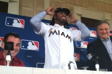 Dread man walking: Marlins will make Jose Reyes cut his hair