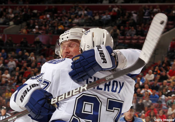 Hockey Hugs: Sweet Stamkos, leaping Kessel returns, Jovo no robo