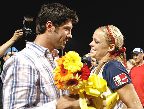 Oh, baby! Softballer Jennie Finch welcomes a son — Diesel