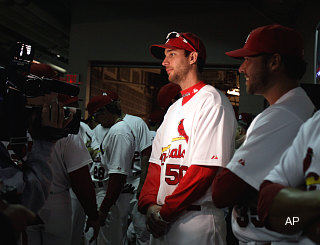 Redbird a-chirping: Wainwright declares Cardinals best in NL