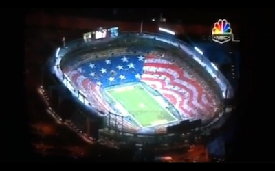 Packers crowd gets patriotic with huge American flag display