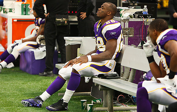 7-on-7: Adrian Peterson returns to practice, Kevin Smith does not