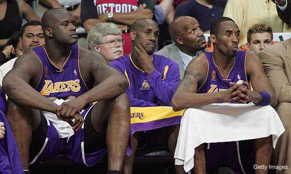 In new book, Shaq explains how his relationship with Kobe went sour